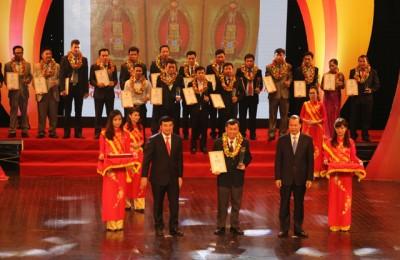 Công Ty Sản Xuất Việt Hàn Nhận Giải Thưởng Hàng Việt Nam Chất Lượng Cao Năm 2011